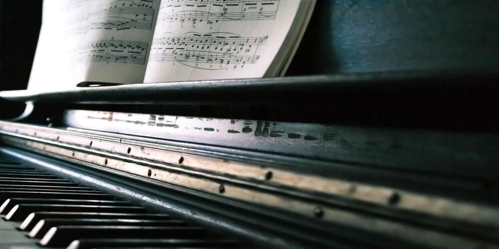 La marche à suivre pour transposer des accords au Piano